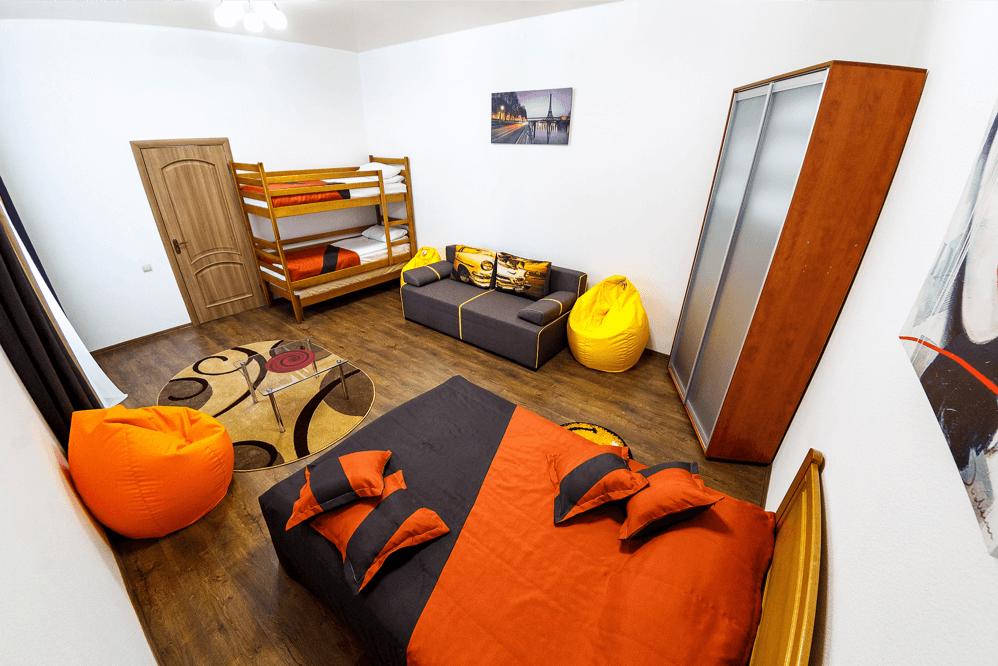 Сімейний покращенний номер у готелі Dicovery B&B що в центрі міста Львів